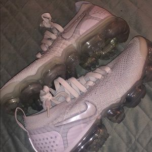 women's vast white nike vapormax